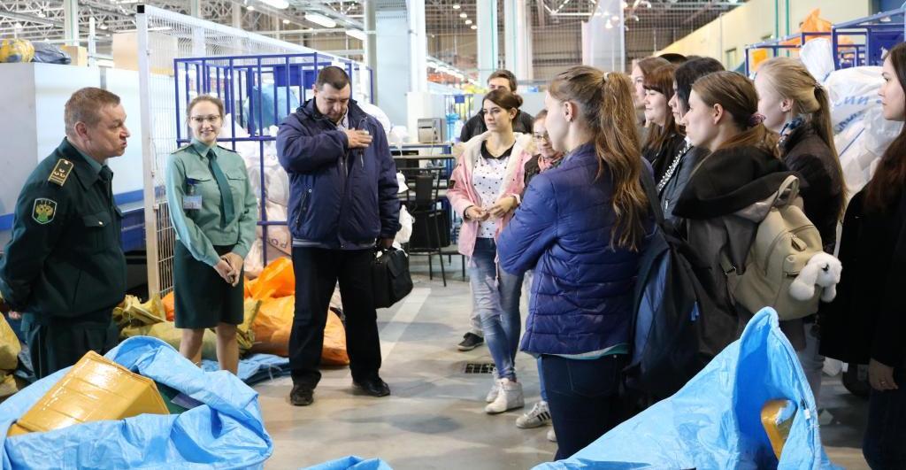 Полевые занятия по таможенному контролю в Кольцовской таможне